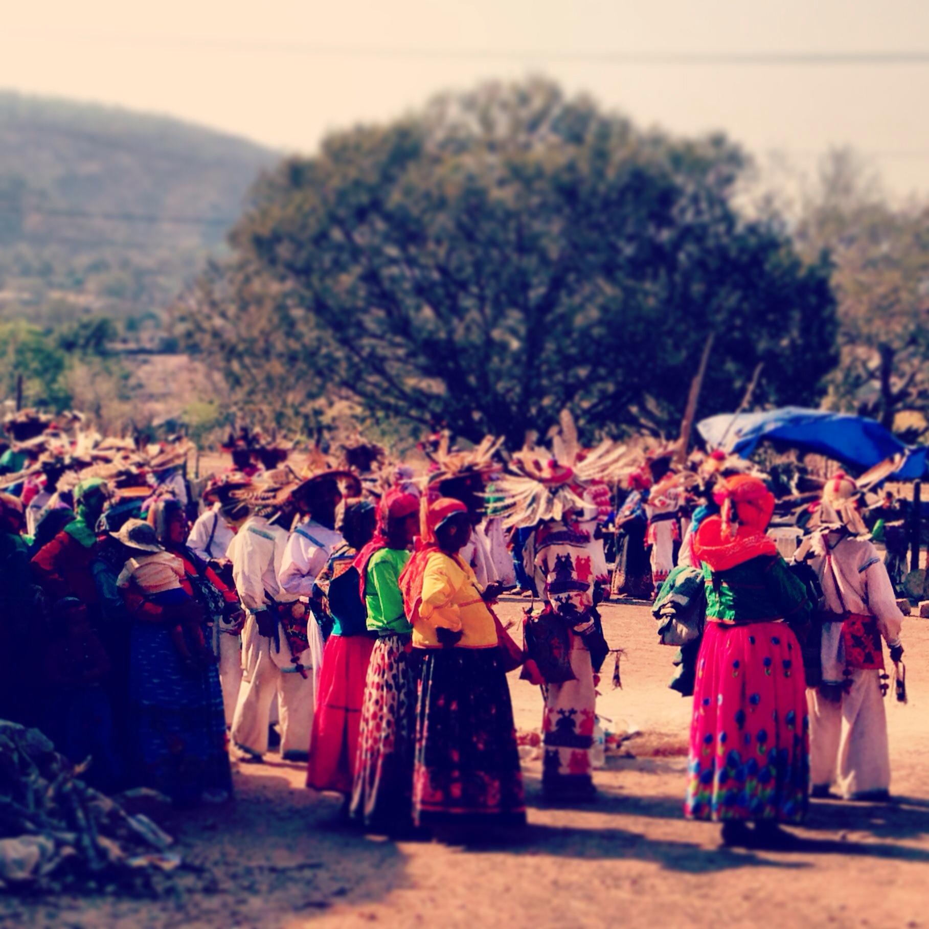 Wwixarica Que Visten Los Huicholes